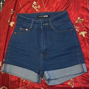 Fashion Nova jean shorts size 0